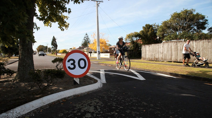 30kph zones on side streets